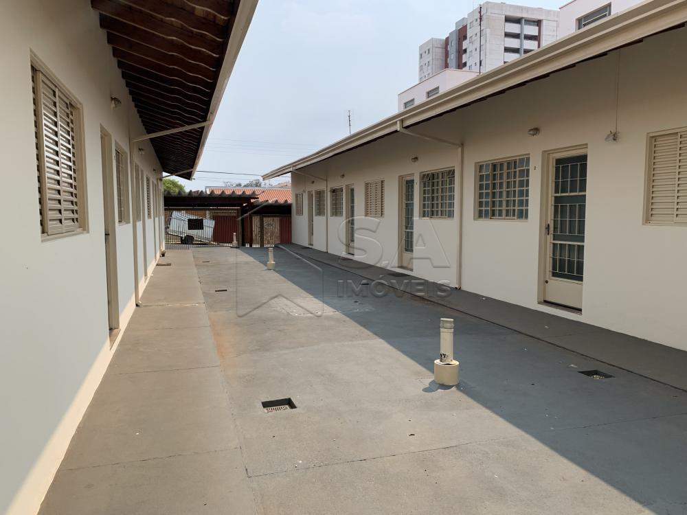 Alugar Casa / Condomínio em Botucatu R$ 750,00 - Foto 2