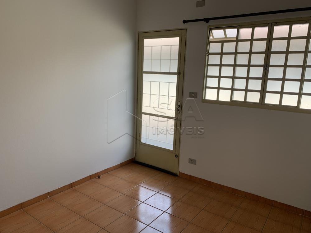 Alugar Casa / Condomínio em Botucatu R$ 750,00 - Foto 6
