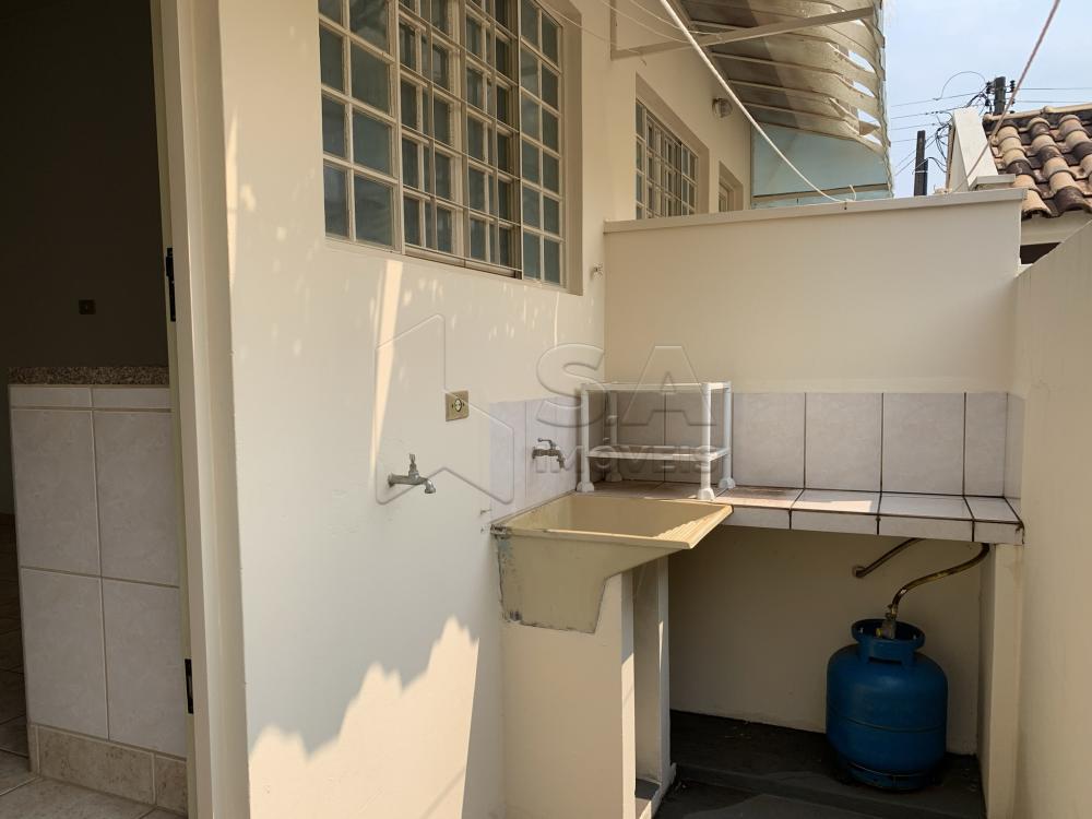 Alugar Casa / Condomínio em Botucatu R$ 750,00 - Foto 14
