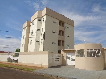 Alugar Apartamento / Padrão em Botucatu R$ 720,00 - Foto 11