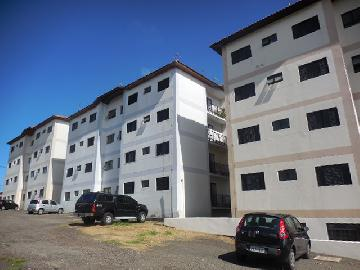 Alugar Apartamento / Padrão em Botucatu. apenas R$ 1.100,00
