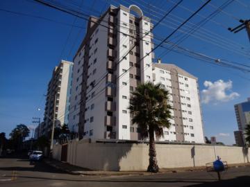 Alugar Apartamento / Mobiliado em Botucatu. apenas R$ 1.400,00