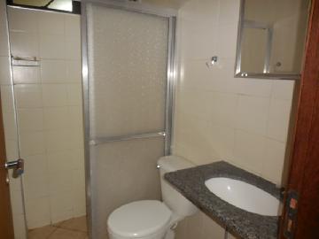 Alugar Apartamento / Padrão em Botucatu R$ 800,00 - Foto 9