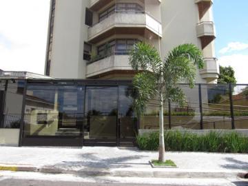 Alugar Apartamento / Padrão em Botucatu R$ 2.400,00 - Foto 1