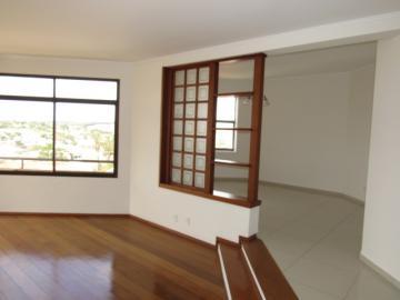 Alugar Apartamento / Padrão em Botucatu R$ 2.400,00 - Foto 4