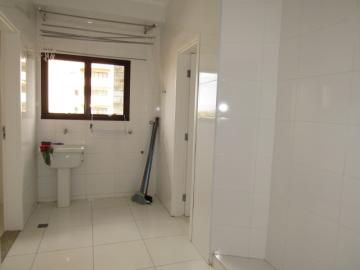Alugar Apartamento / Padrão em Botucatu R$ 2.400,00 - Foto 9