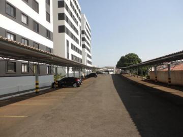 Alugar Apartamento / Padrão em Botucatu R$ 700,00 - Foto 14