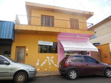 Comercial / Casa Comercial em Botucatu Alugar por R$2.500,00