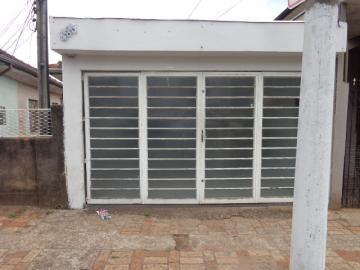 Alugar Casa / Padrão em Botucatu. apenas R$ 130.000,00