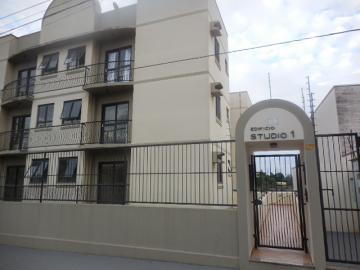 Alugar Apartamento / Padrão em Botucatu. apenas R$ 633,00