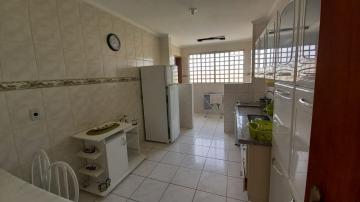Alugar Apartamento / Mobiliado em Botucatu R$ 1.000,00 - Foto 5