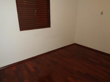 Alugar Apartamento / Padrão em Botucatu R$ 660,00 - Foto 6