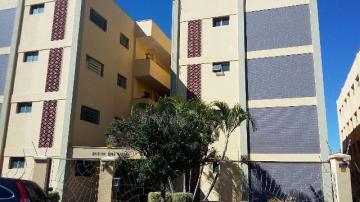 Alugar Apartamento / Padrão em Botucatu. apenas R$ 230.000,00