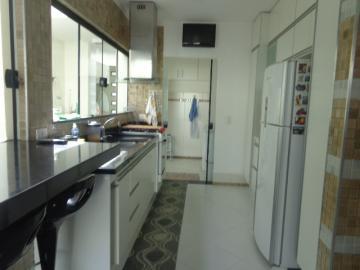 Alugar Casa / Sobrado em Botucatu. apenas R$ 890.000,00