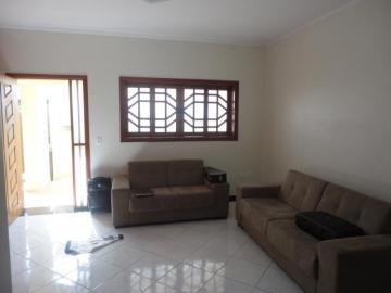 Alugar Casa / Padrão em Botucatu. apenas R$ 630.000,00