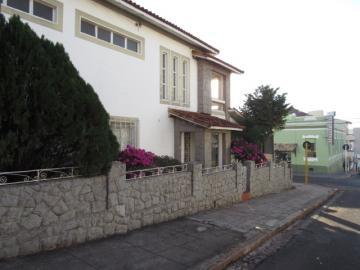 Alugar Casa / Sobrado em Botucatu. apenas R$ 2.500,00
