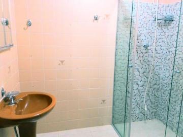 Alugar Apartamento / Padrão em Botucatu R$ 900,00 - Foto 9