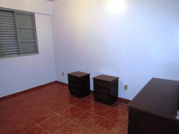 Alugar Apartamento / Padrão em Botucatu R$ 900,00 - Foto 8