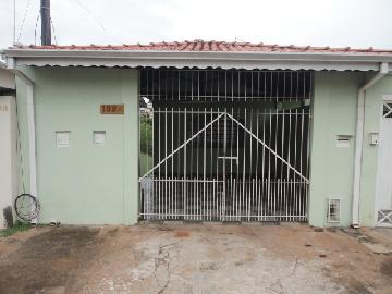 Casa / Padrão em Botucatu Alugar por R$800,00