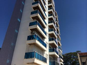 Alugar Apartamento / Padrão em Botucatu. apenas R$ 1.400,00