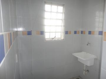 Alugar Apartamento / Padrão em Botucatu R$ 720,00 - Foto 6