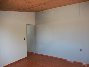 Alugar Casa / Padrão em Botucatu R$ 600,00 - Foto 4
