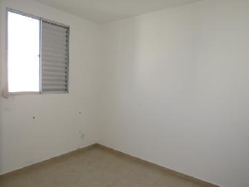 Alugar Apartamento / Padrão em Botucatu R$ 650,00 - Foto 5
