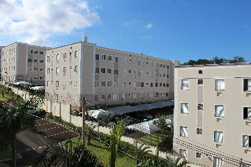 Alugar Apartamento / Padrão em Botucatu R$ 650,00 - Foto 1