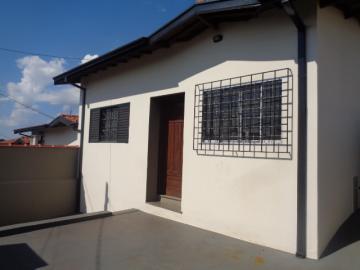 Alugar Casa / Padrão em Botucatu R$ 950,00 - Foto 1