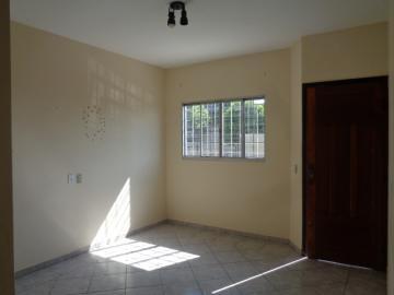 Alugar Casa / Padrão em Botucatu R$ 950,00 - Foto 2