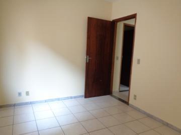 Alugar Apartamento / Padrão em Botucatu R$ 800,00 - Foto 10