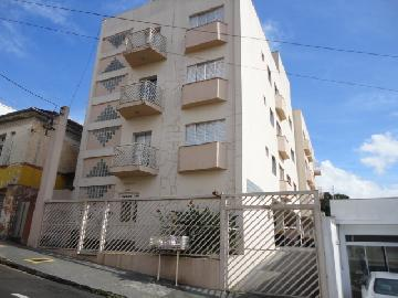Alugar Apartamento / Padrão em Botucatu. apenas R$ 750,00
