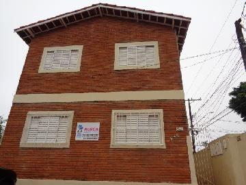 Alugar Apartamento / Kitchnet em Botucatu. apenas R$ 570,00