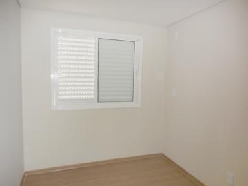 Alugar Apartamento / Padrão em Botucatu R$ 1.200,00 - Foto 5