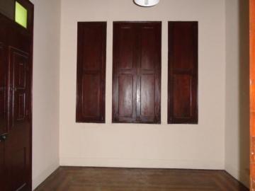 Alugar Comercial / Casa Comercial em Botucatu R$ 1.100,00 - Foto 5