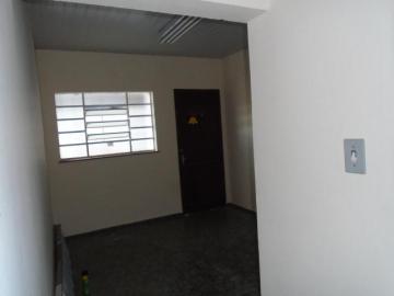 Alugar Comercial / Casa Comercial em Botucatu R$ 1.100,00 - Foto 8