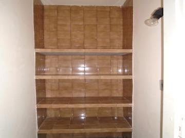 Alugar Comercial / Casa Comercial em Botucatu R$ 1.100,00 - Foto 11