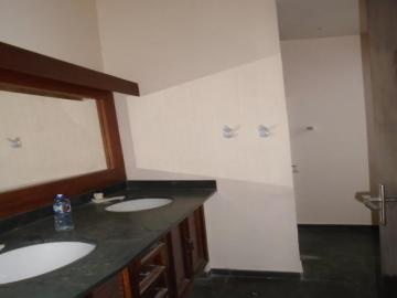 Alugar Comercial / Casa Comercial em Botucatu R$ 1.100,00 - Foto 12