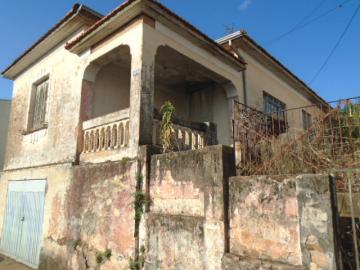 Alugar Casa / Padrão em Botucatu. apenas R$ 295.000,00