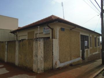 Alugar Comercial / Casa Comercial em Botucatu. apenas R$ 2.100,00