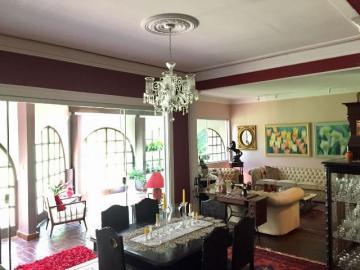 Alugar Casa / Padrão em Botucatu. apenas R$ 1.100.000,00
