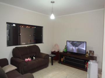 Alugar Casa / Padrão em Botucatu. apenas R$ 400.000,00