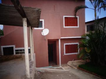 Alugar Casa / Sobrado em Botucatu. apenas R$ 220.000,00