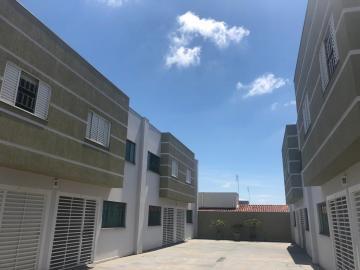 Comprar Casa / Condomínio em Botucatu. apenas R$ 298.000,00
