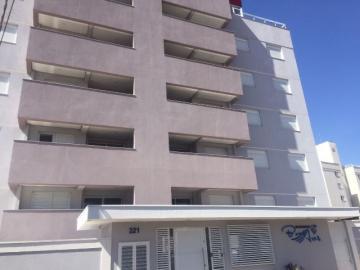 Apartamento / Padrão em Botucatu Alugar por R$2.500,00