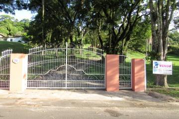 Alugar Casa / Padrão em Botucatu. apenas R$ 2.730.000,00