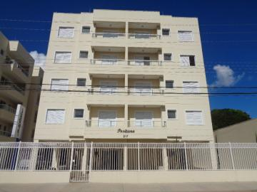 Alugar Apartamento / Padrão em Botucatu. apenas R$ 300.000,00