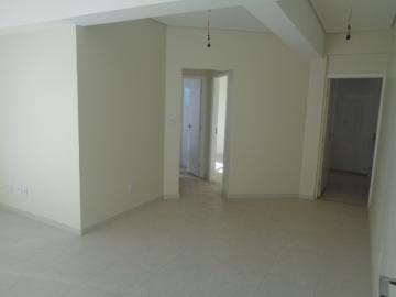 Alugar Apartamento / Padrão em Botucatu. apenas R$ 283.000,00