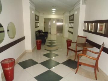 Alugar Apartamento / Padrão em Botucatu. apenas R$ 290.000,00