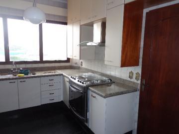 Alugar Apartamento / Padrão em Botucatu R$ 2.000,00 - Foto 5